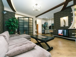 Two-room. Luxury. 25.Antonovycha. Centre of Kiev