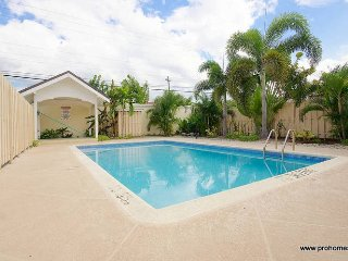 Jamaica Vacation Rentals - One bedroom, with pool Kingston