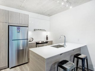 Marble Sharp 1BR * Downtown Bell Centre