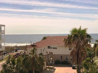 North Myrtle Beach 2 bedroom Condo with Ocean Views, PET Friendly, WIFI!