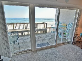 Queen's Grant D-113 - First Floor Oceanfront Condo with Community Pool, Hot Tub,