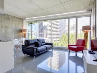 Trendy & Vogue 2BR near Palais de Congres!