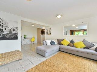 5 bedrooms, Views, Privacy & in Upmarket Area