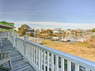 New! 7BR Holden Beach Home - Steps from Beach!