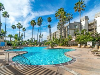 Affordable Condo in  Beachfront Resort Heated Community Pool