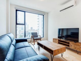 Right at Financial District 1BR Incroyable Ivory!