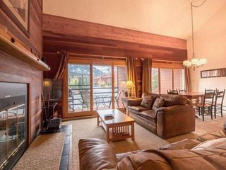Big Windows To See Mountain Views-Central & Close to Breckenridge/Keystone