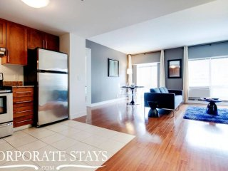 Convenient & Great Location 2BR Fully Equiped!