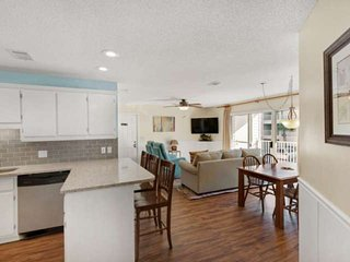 Gulf Side of 30A Condo, Newly Remodeled, Pool, Easy Access to Beach