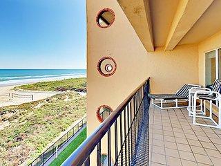 Gulf-Front 3BR/2BA w/ Pool, Hot Tub, Beach Access – Walk to Dining, Nightlife