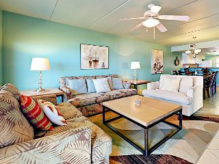 Gulf-Front 3BR/2BA w/ Pool, Hot Tub, Beach Access –Walk to Dining, Suntide ii