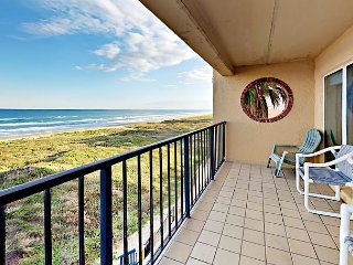 Oceanfront 2BR Condo w/ Private 4th Floor Balcony, Pool & Hot Tub Suntide ii