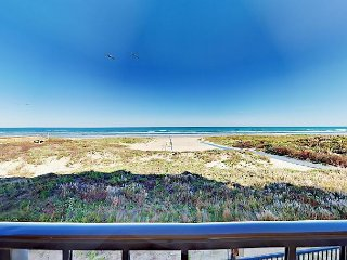 Waterfront 2BR w/ Beach Access, Resort Amenities, Suntide ii 204