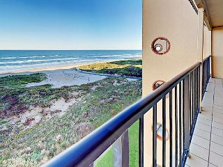5th Floor 3BR - w/ Pool, Hot Tub, Beach Access & Private Balcony Suntide ii
