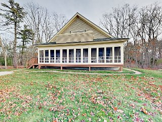 Coastal Getaway w/ Partial Ocean View & Screened Porch - Walk to Wiscasset