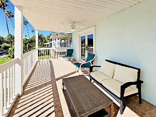 3BR w/ 2 Balconies, Elevator - 2 Blocks to the Beach