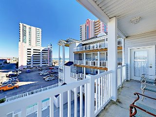 6BR Condo with Inlet & Marsh Views – Close to Beaches and Excitement