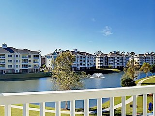 3BR Condo with Golf Course Views – Near Myrtle Beach Attractions and Dining