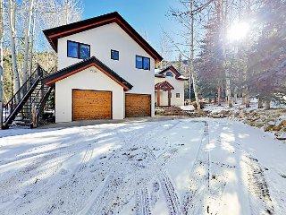 Large Single-Family Home - 10 Mins to Ski Lift