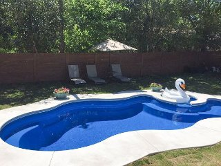 Remodeled 3BR w/ Pool, Fenced Yard & Guest House