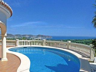 Bonita - sea view villa with private pool in Moraira