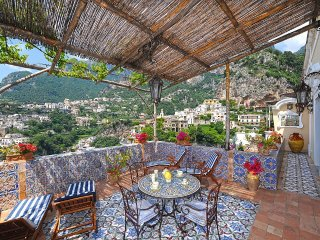 Positano Holiday Home Sleeps 4 with Air Con and WiFi - 5228651