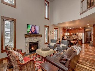 Free Winter Nights! 4BR | 3.5BA | Sleeps 10 | WiFi | Game Room