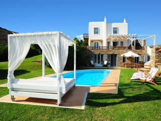Luxurious Cycladic Villa With Private Swimming Pool And Sea View, Andros