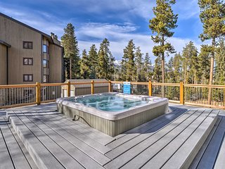 NEW! Cozy 2BR Breckenridge Condo - Walk Downtown!