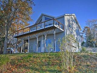 Oceanfront Sullivan Cottage on 6 Acres w/Kayak!