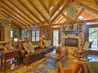 'Beaver Creek Lodge' - Huntington Home w/ Pond!