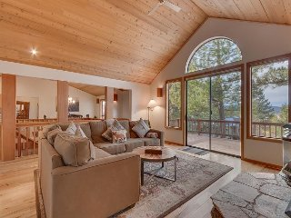 Tranquil Views - Luxury Northstar 4B with Free Ski Shuttle & HOA Gym, & Pool!