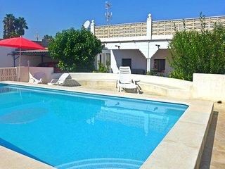 Alquilar Chalet con piscina privada en Playa de Oliva