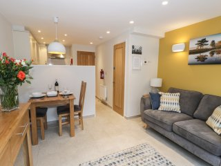 PENNINGTON, open plan living, lake views, pet friendly, in Ambleside, Ref. 96921