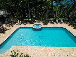 MONTEGO BAY, FULLY STAFFED! PRIVATE POOL! 4 BEDROOMS! Sterling