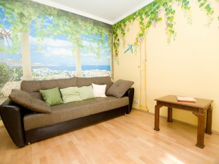 2-room apt. at Smolenskaya, 7 (093)