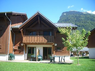 Lovely Chalet close to the heart of Samoens