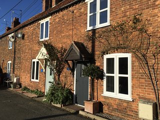 West Row Cottage -Comfy cottage close to Sandringham & Snettisham RSPB reserve