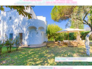 Holiday Villa ♥ Quiet Peaceful ♥10sleeps Airco ♥ PRIVATE Access to the Beach