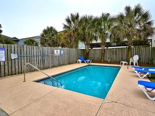 ** ALL-INCLUSIVE RATES ** Southern Breeze - Private Pool & Pet Friendly