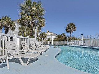 ** ALL-INCLUSIVE RATES ** Worth the Wait - Oceanfront with Shared Pool
