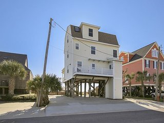 Dempsey Cottage - Oceanfront & Walkway to Beach