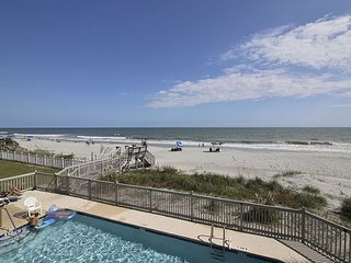 ** ALL-INCLUSIVE RATES ** Windswept 104 - Oceanfront Efficiency with Pool