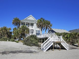 Neagle House - Oceanfront with Walkway to Beach