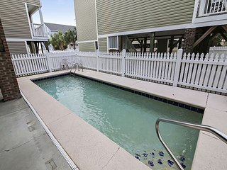 ** ALL-INCLUSIVE RATES ** Franks Place II - Private Pool & Elevator
