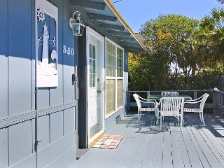 ** ALL-INCLUSIVE RATES ** Ancient Mariner - Rustic Beach House with Hot Tub