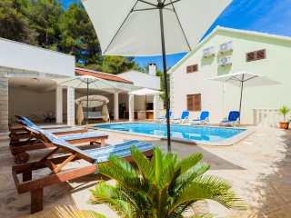 Seaside Villa with Private Pool less than 50 meters from the sea and the beach