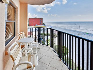 Emerald Isle #401 - Beautiful 2 bedroom condo with a beach front balcony!
