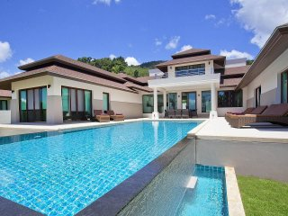 Koh Chang Wave Villa A | 4 Bed Seafront Pool House in Koh Chang
