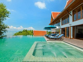 Luxury Seven Bedroom Villa Near Bang Po, Koh Samui